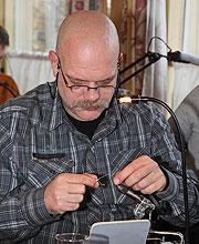 John Peters bindet Hair Wing Lachsfliegen