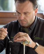 Marco Crippa bei Flyfishing Europe, Fliegenbinden, Fliegenfischen